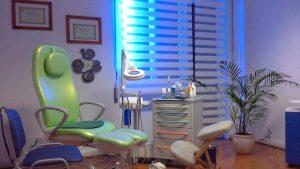 STUDIO PODOLOGICO SITO A ROMA NORD, via di torrevecchia. trattamenti per la cura dei piedi, esami posturali e baropodometrici, realizzazione di ortesi plantari su misura, trattamento del piede infantile, sportivo, geriatrico